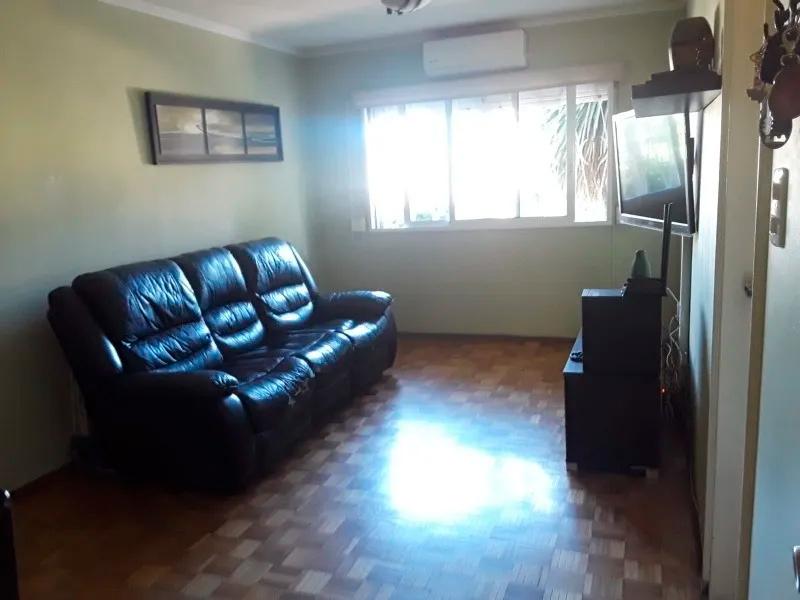 Apartamento en buen estado a metros de propios en barrio buceo